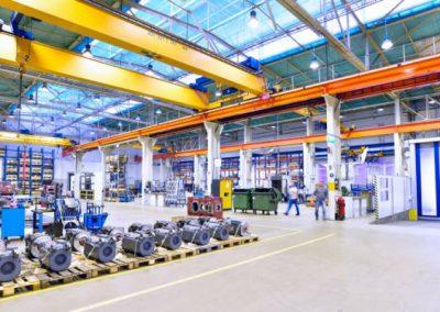 Logistikflaechen-Produktionshalle